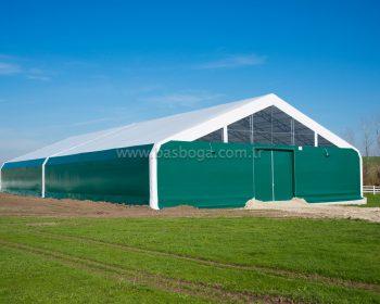 Spor alanı çadırları, açık spor sahalarının üzerini kapatarak dört mevsim sportif aktivitenin devamlılığını sağlar.